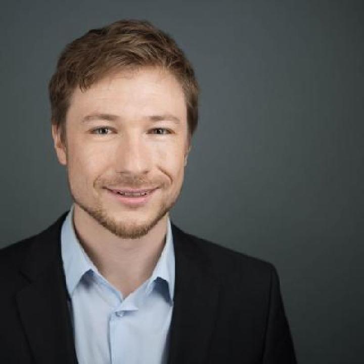 Dr. Robert Krueger